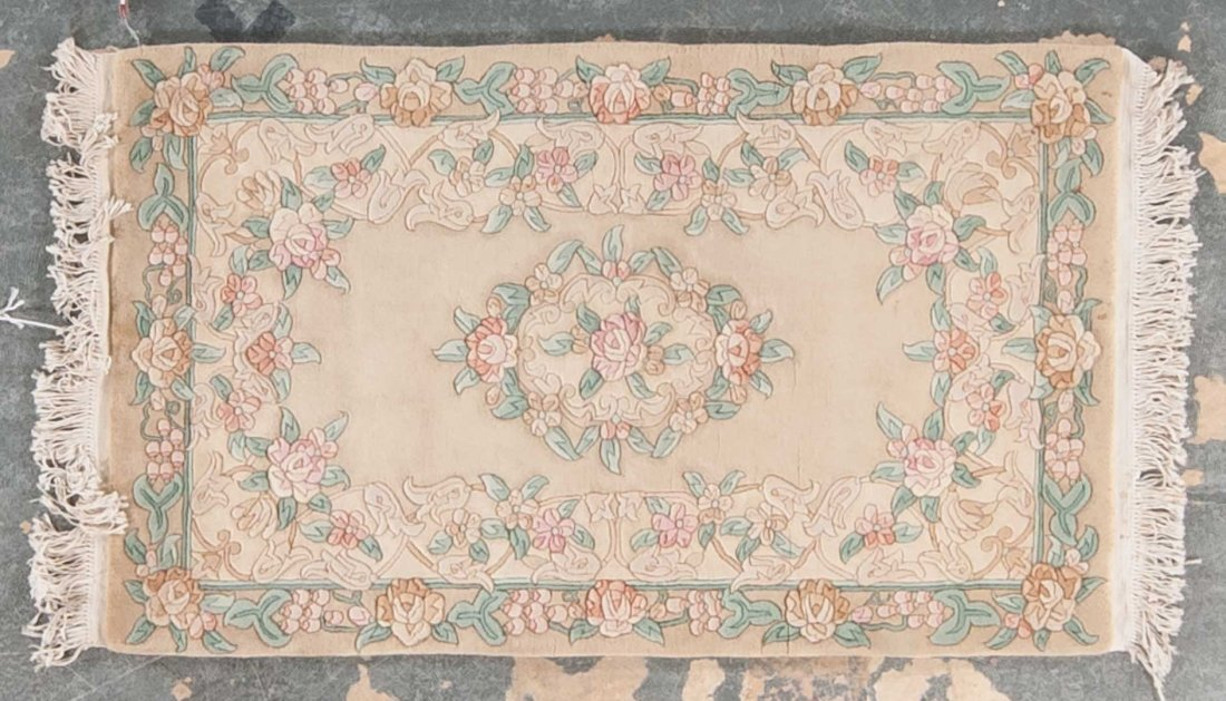 Chinese 90 line rug, approx. 3 x 5