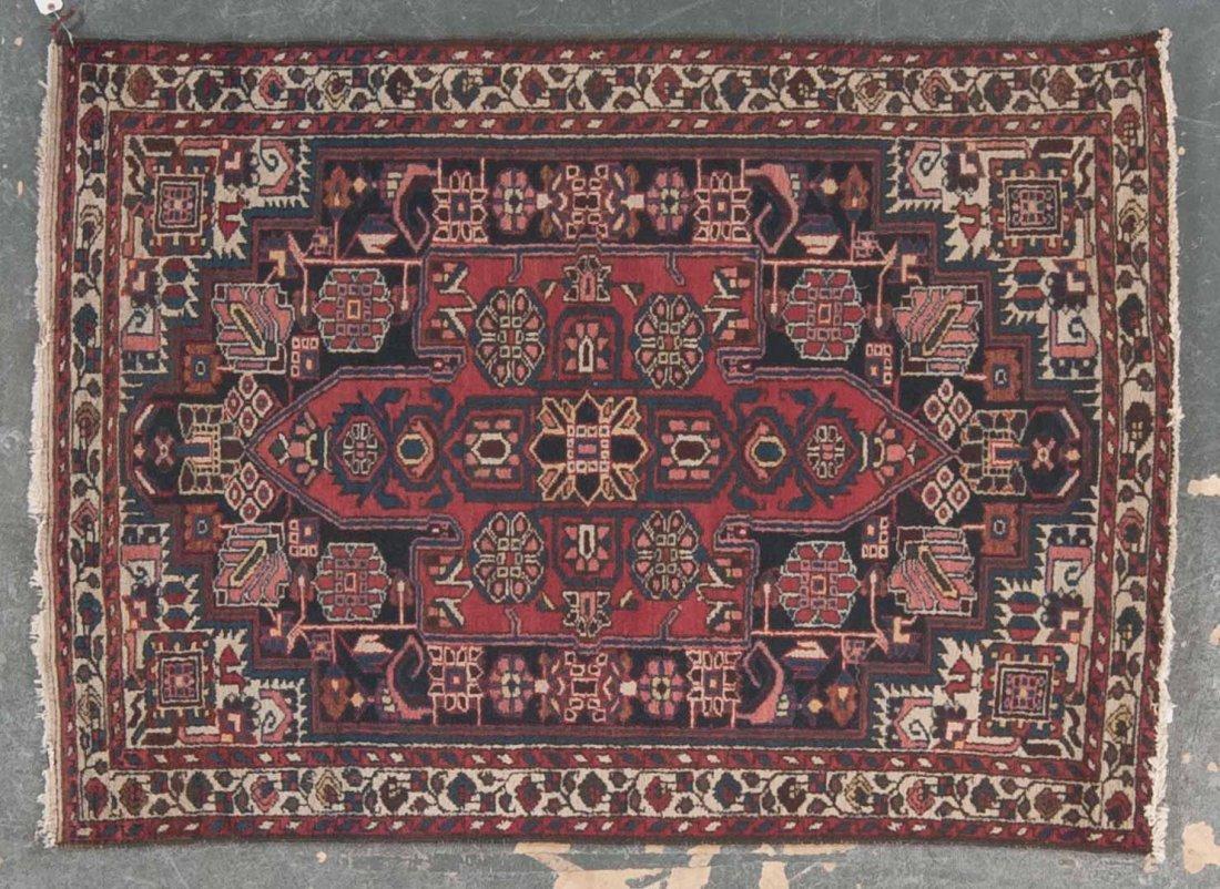 Persian Bahktiari rug, approx. 4.9 x 6.8