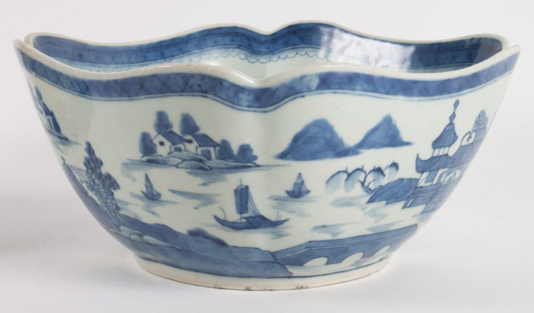 Chinese Export porcelain bowl and bulb planter - 3