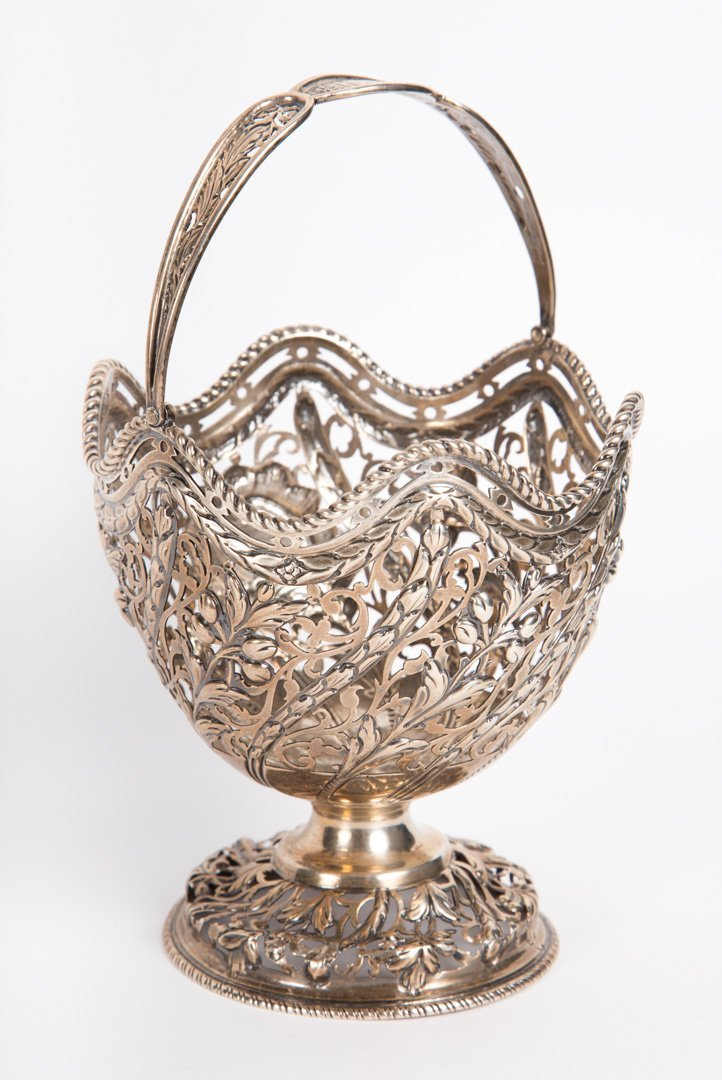 George III sterling silver sweetmeat basket