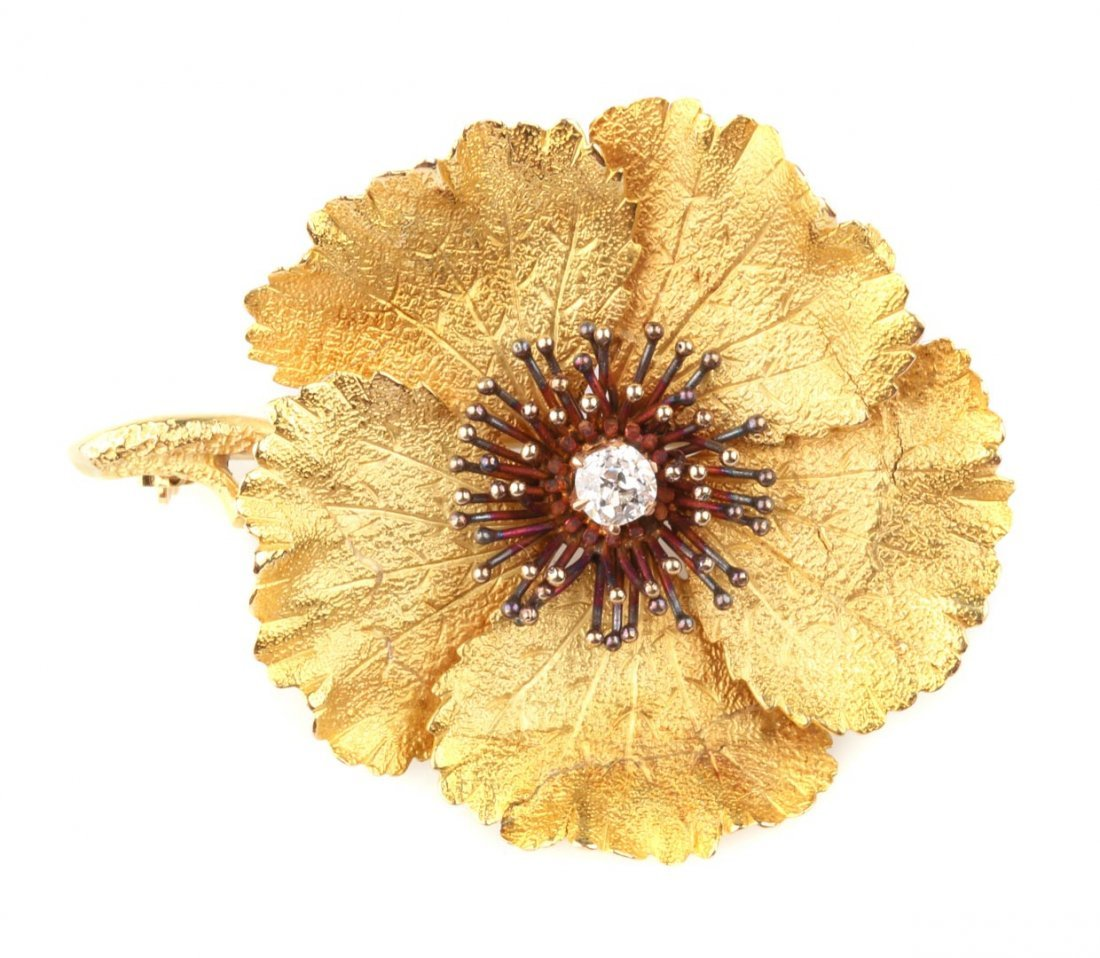 A Lady's Flower Brooch with Diamond