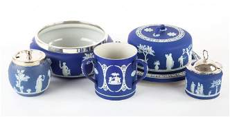 Five Wedgwood jasperware articles