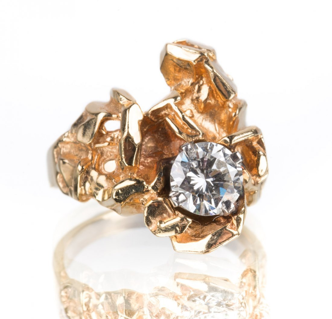 A Gold Freeform Ring with Round Diamond