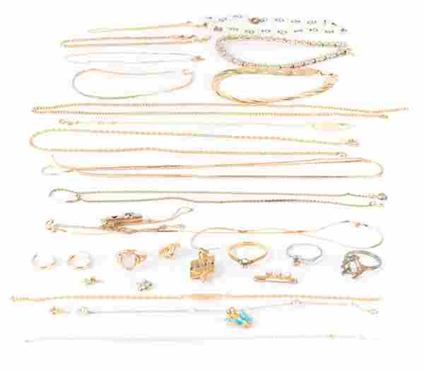A Bag of Miscellaneous Gold Jewelry