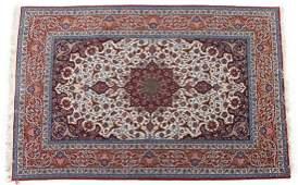 Fine Persian Ispahan rug approx 51 x 78