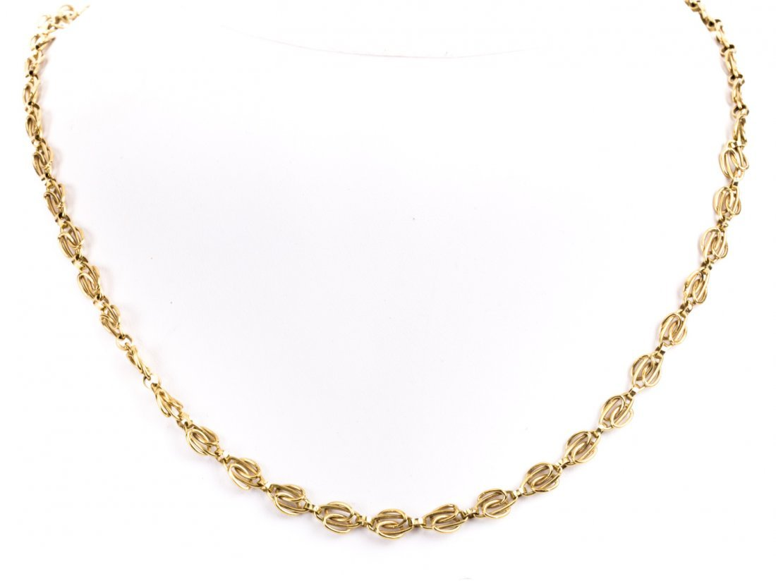 A Lady's 14K Gold Chain Necklace