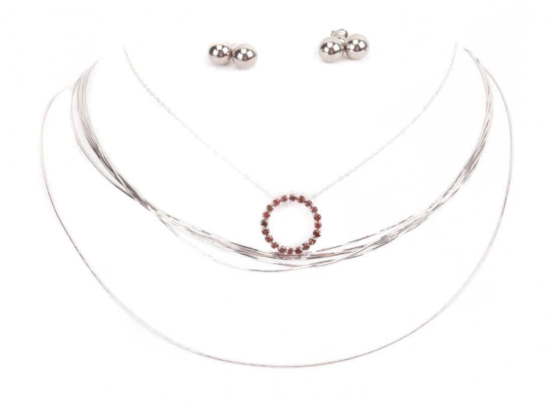 An Assortment of White Gold and Platinum Jewelry