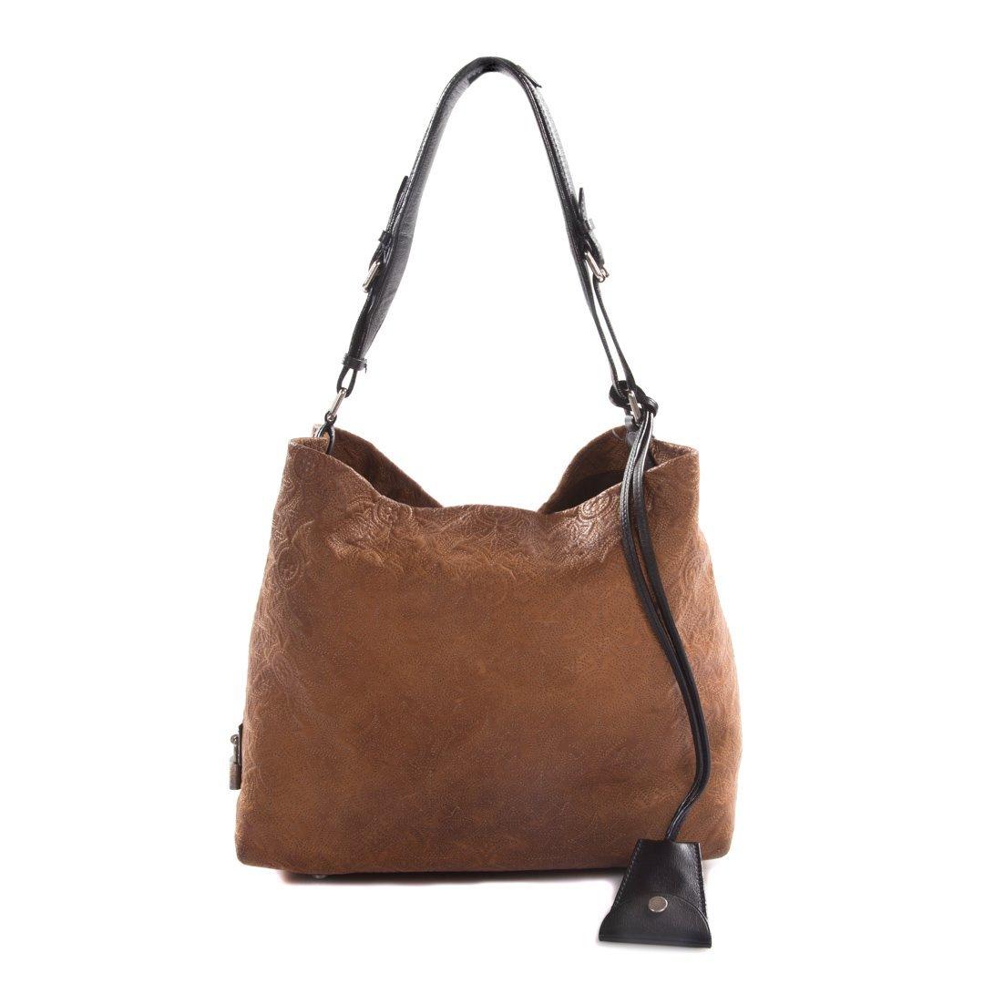 A Louis Vuitton Artsy MM Handbag