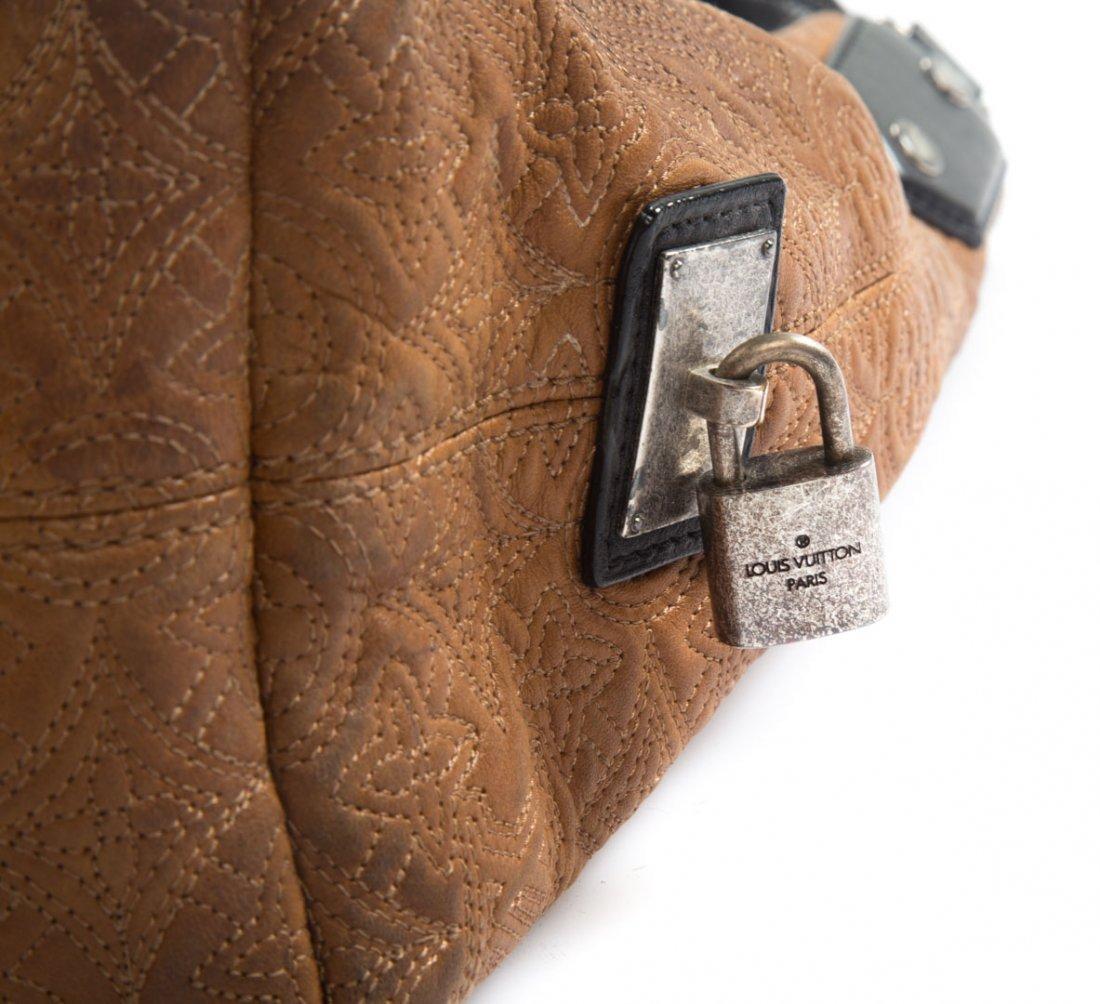 A Louis Vuitton Artsy MM Handbag - 6