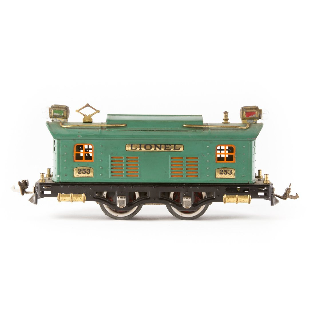 Lionel O gauge #253 electric engine - 2