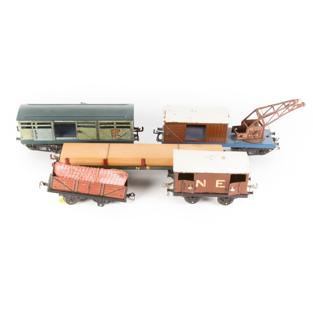 Group of Bing O gauge freight cars