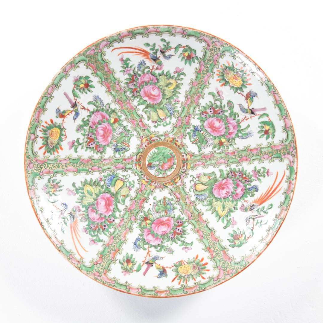 Chinese Export Rose Medallion and Canton chargers - 4