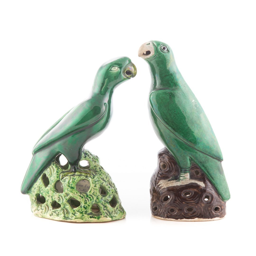 Two Chinese Export porcelain parrots