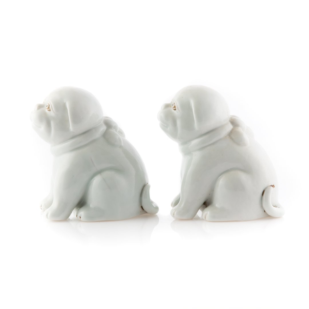 Pair Chinese Export Blanc de Chine porcelain dogs - 2