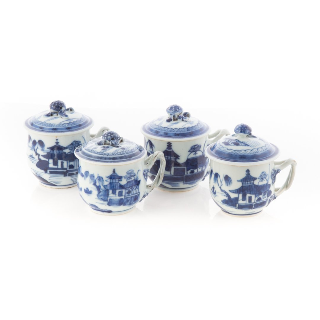 Four Chinese Export Canton porcelain syllabubs - 2