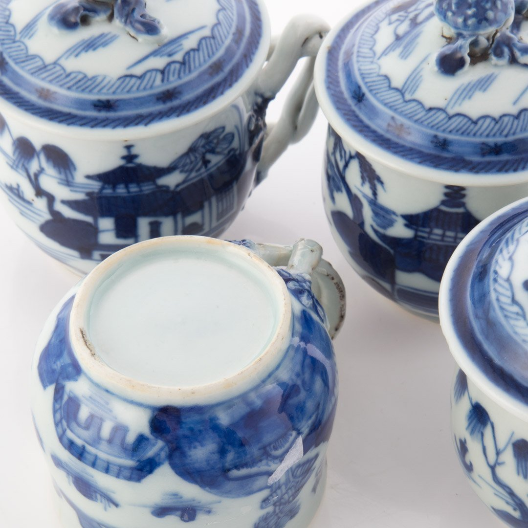 Four Chinese Export Canton porcelain syllabubs - 4