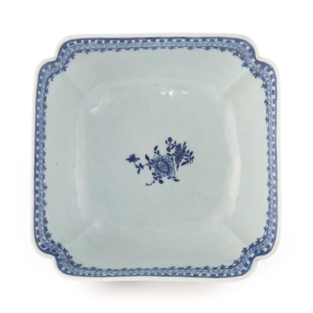 Chinese Export blue and white corner cut bowl - 2