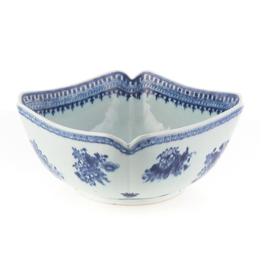 Chinese Export blue and white corner cut bowl - 3