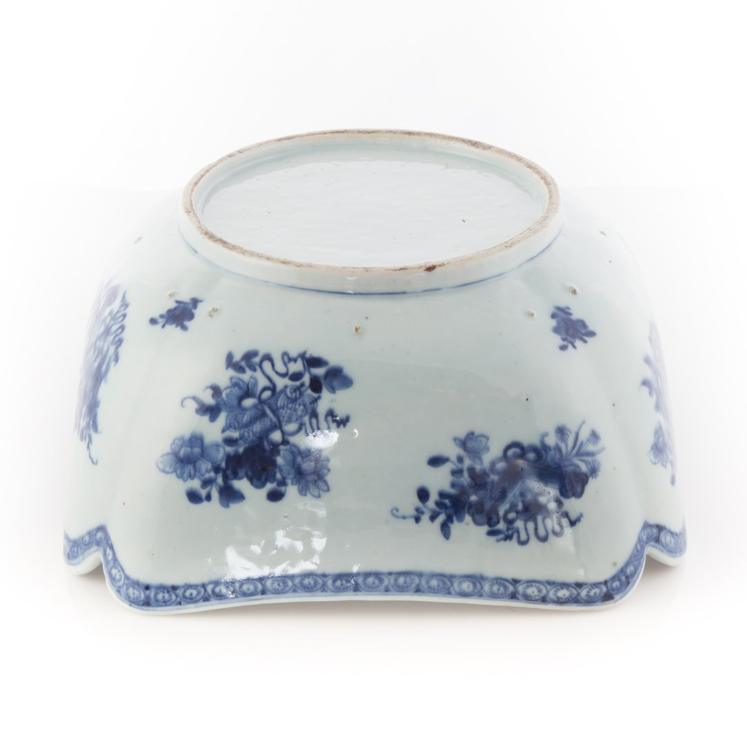 Chinese Export blue and white corner cut bowl - 4