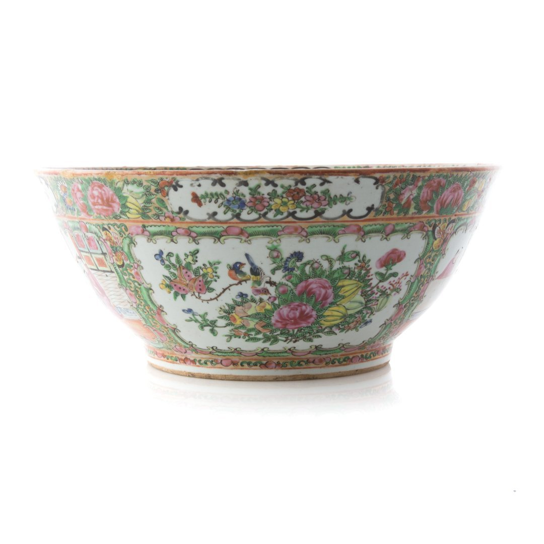 Chinese Export Rose Medallion bowl - 2