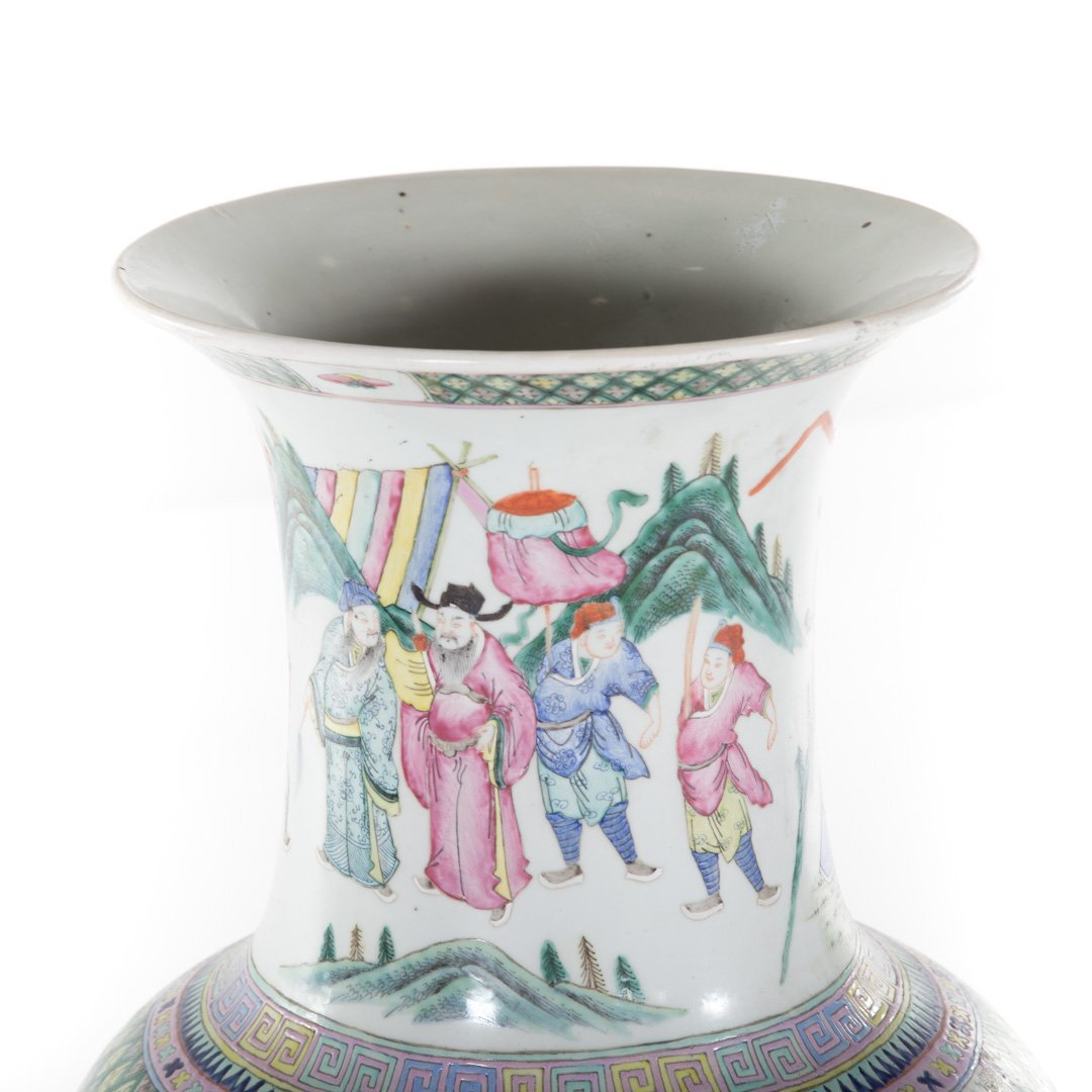 Chinese Export Famille Rose palace vase - 3