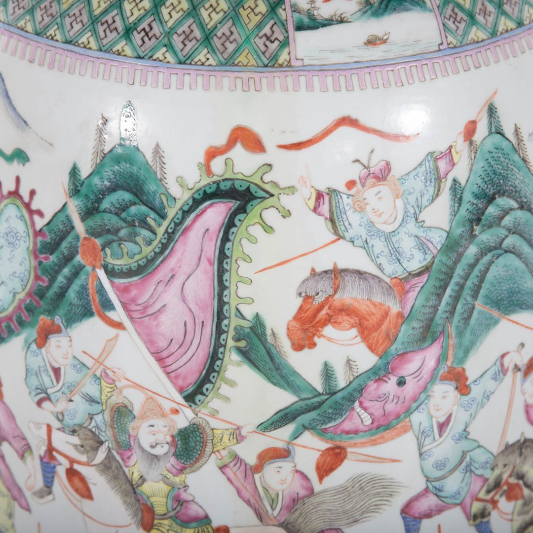 Chinese Export Famille Rose palace vase - 6