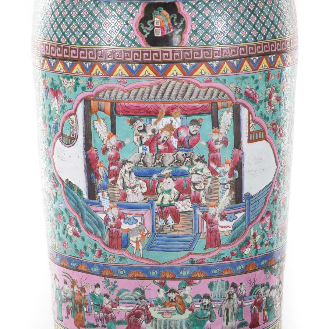 Pair Chinese Export monumental Famille Rose vases - 2