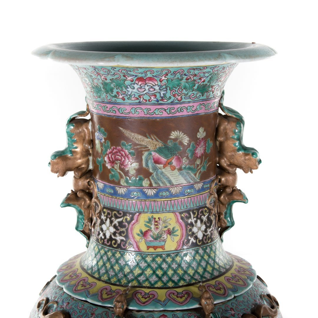Pair Chinese Export monumental Famille Rose vases - 3