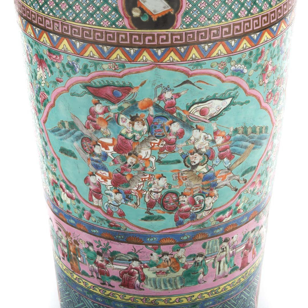 Pair Chinese Export monumental Famille Rose vases - 6