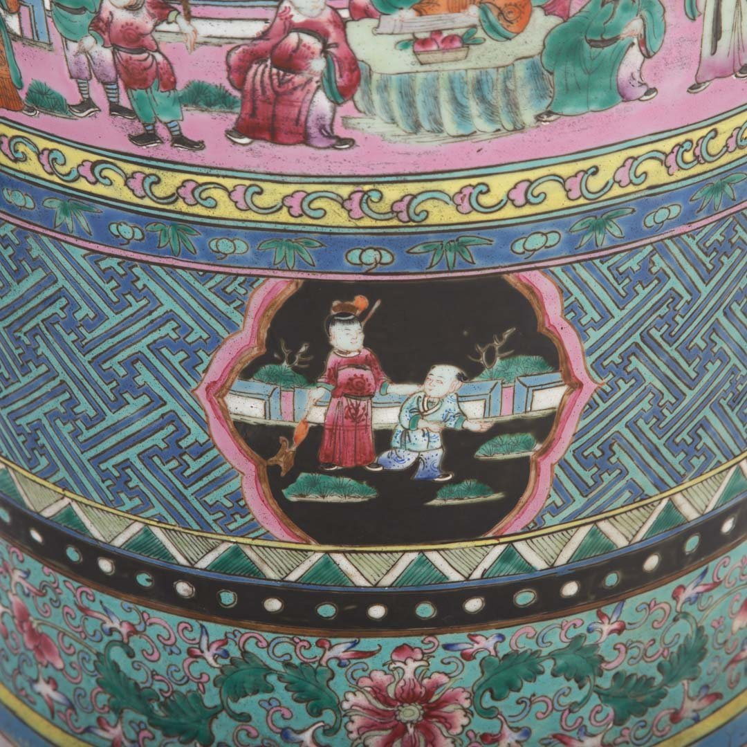 Pair Chinese Export monumental Famille Rose vases - 7