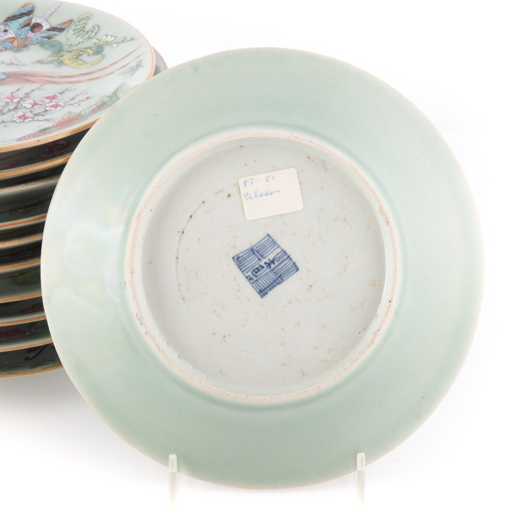 23 Chinese Export Famille Rose on celadon plates - 3