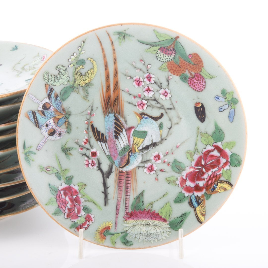 23 Chinese Export Famille Rose on celadon plates - 4