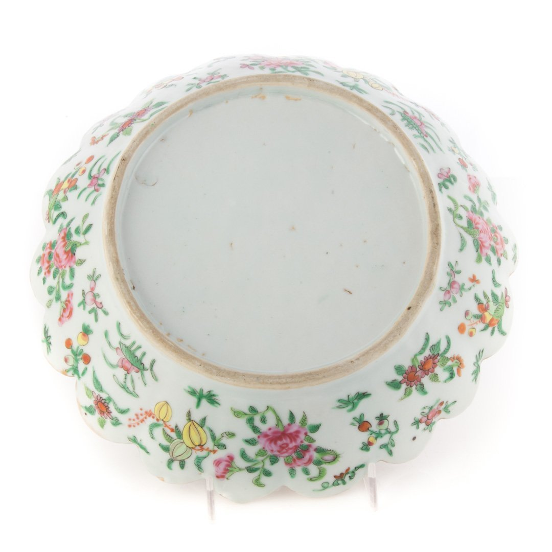 Two Chinese Export Rose Medallion berry bowls - 3