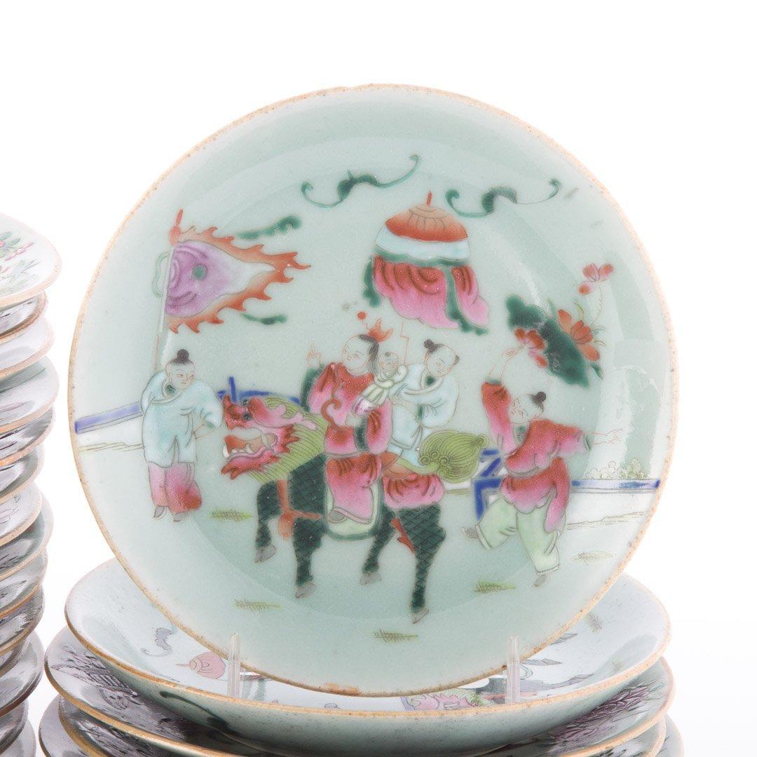 22 Chinese Export celadon dessert plates - 2