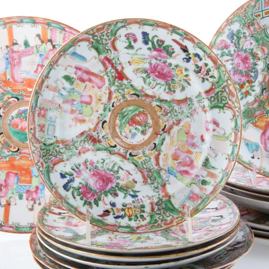 15 Chinese Export Rose Medallion dinner plates - 2