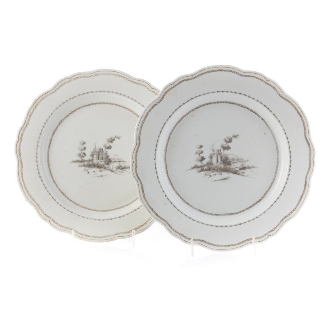 Pair Chinese Export porcelain plates