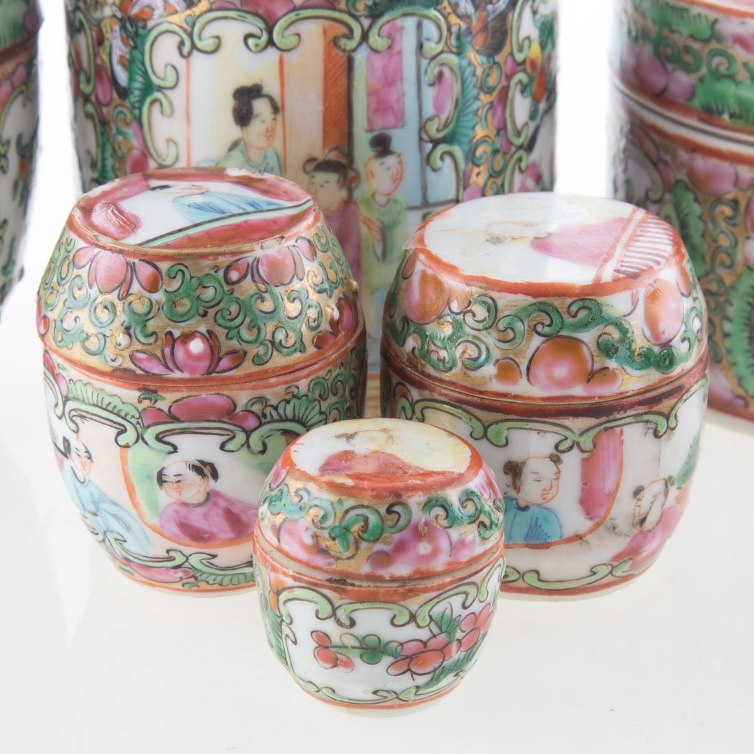 Seven Chinese Export Rose Medallion vanity jars - 3