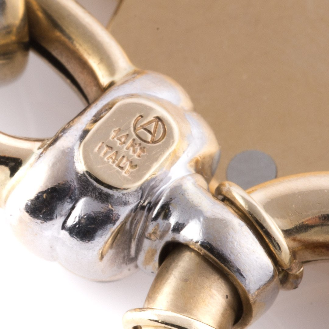 A Link Bracelet in 14K with an 18K Gold Charm - 4