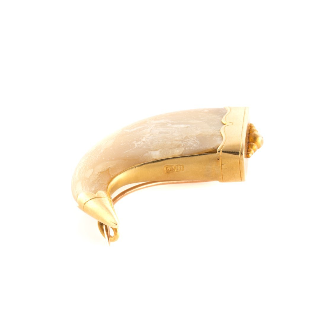A Claw Brooch in 18K Yellow Gold - 2