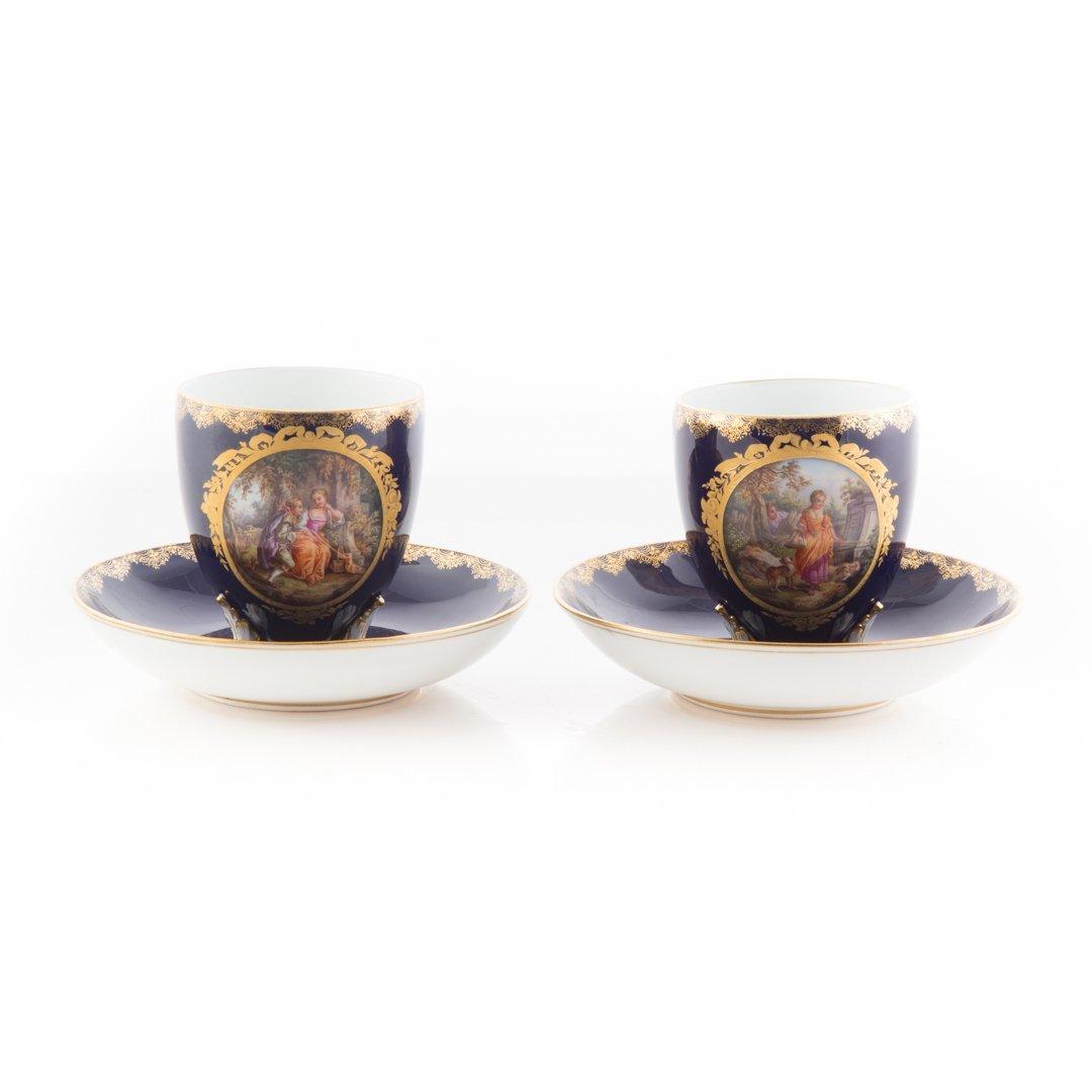 Pair Meissen porcelain tea cups and saucers
