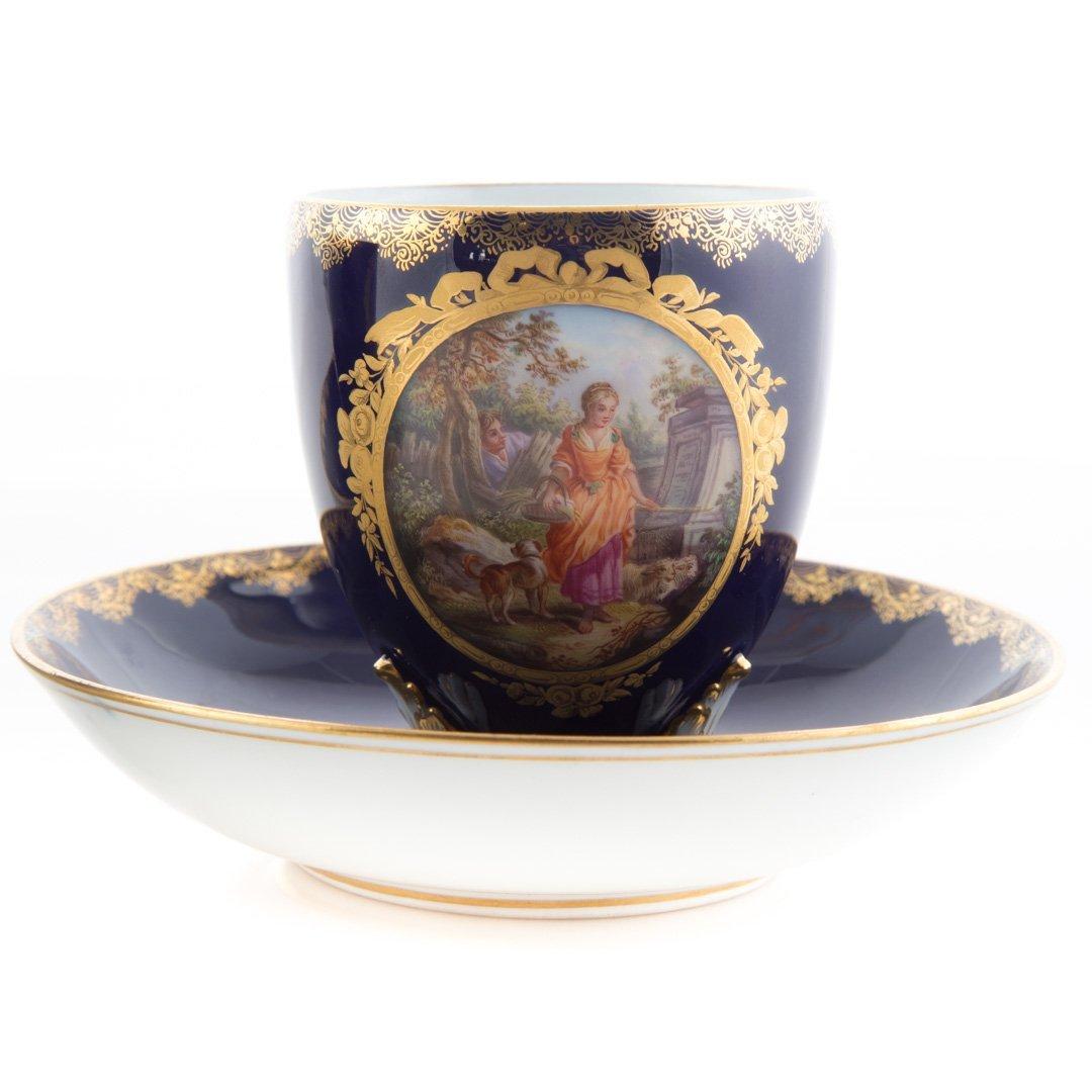 Pair Meissen porcelain tea cups and saucers - 2