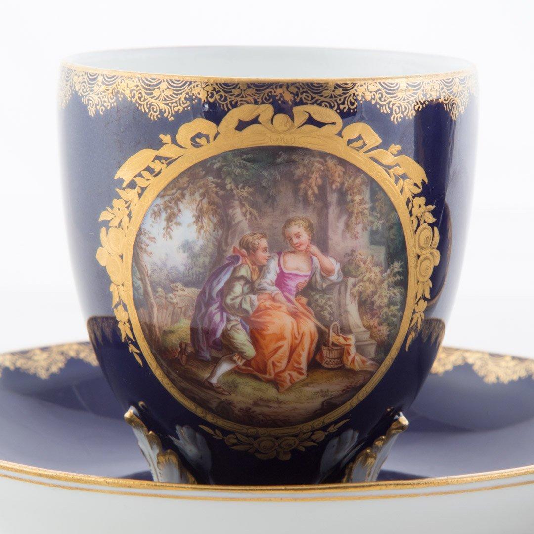Pair Meissen porcelain tea cups and saucers - 3
