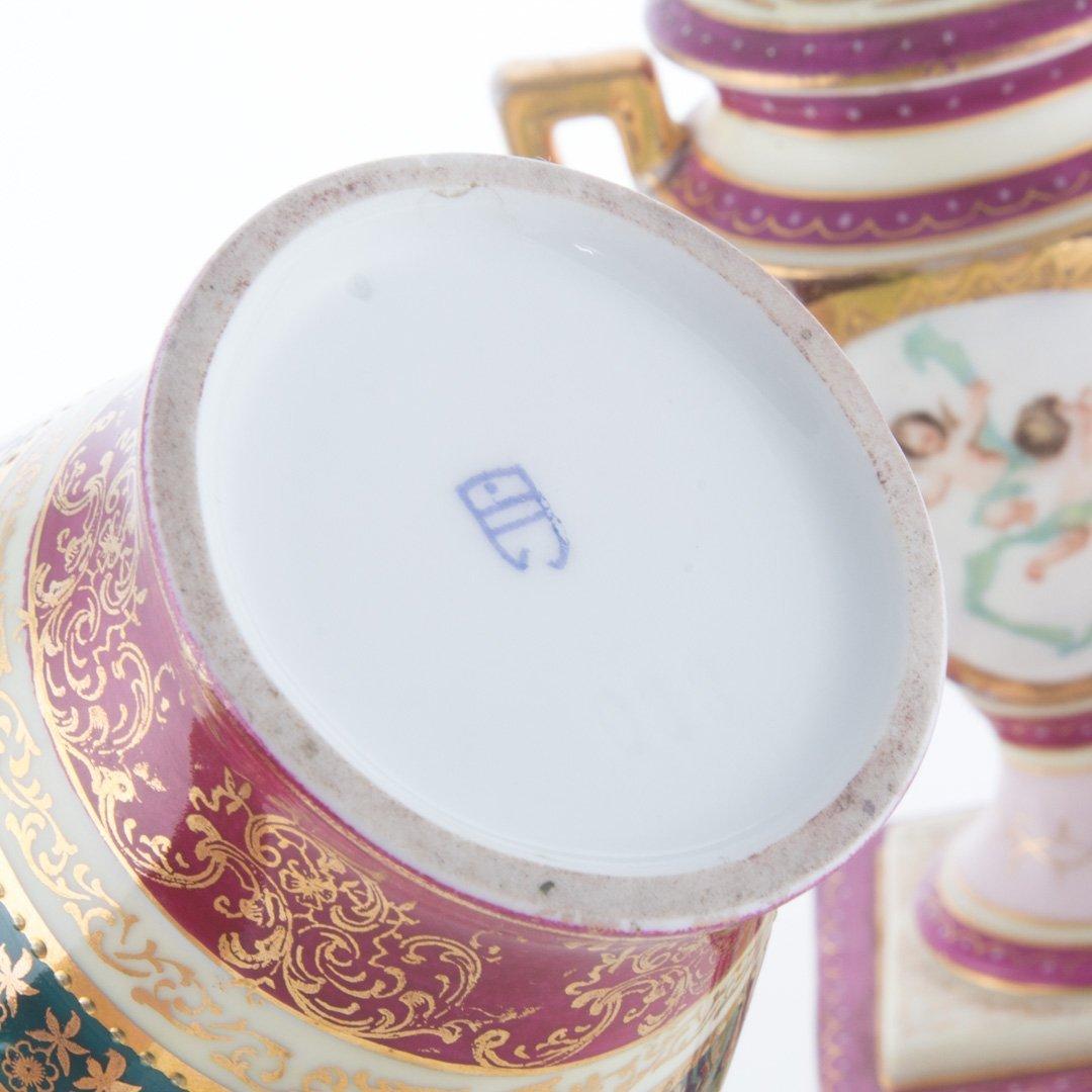 Five Vienna porcelain articles - 5