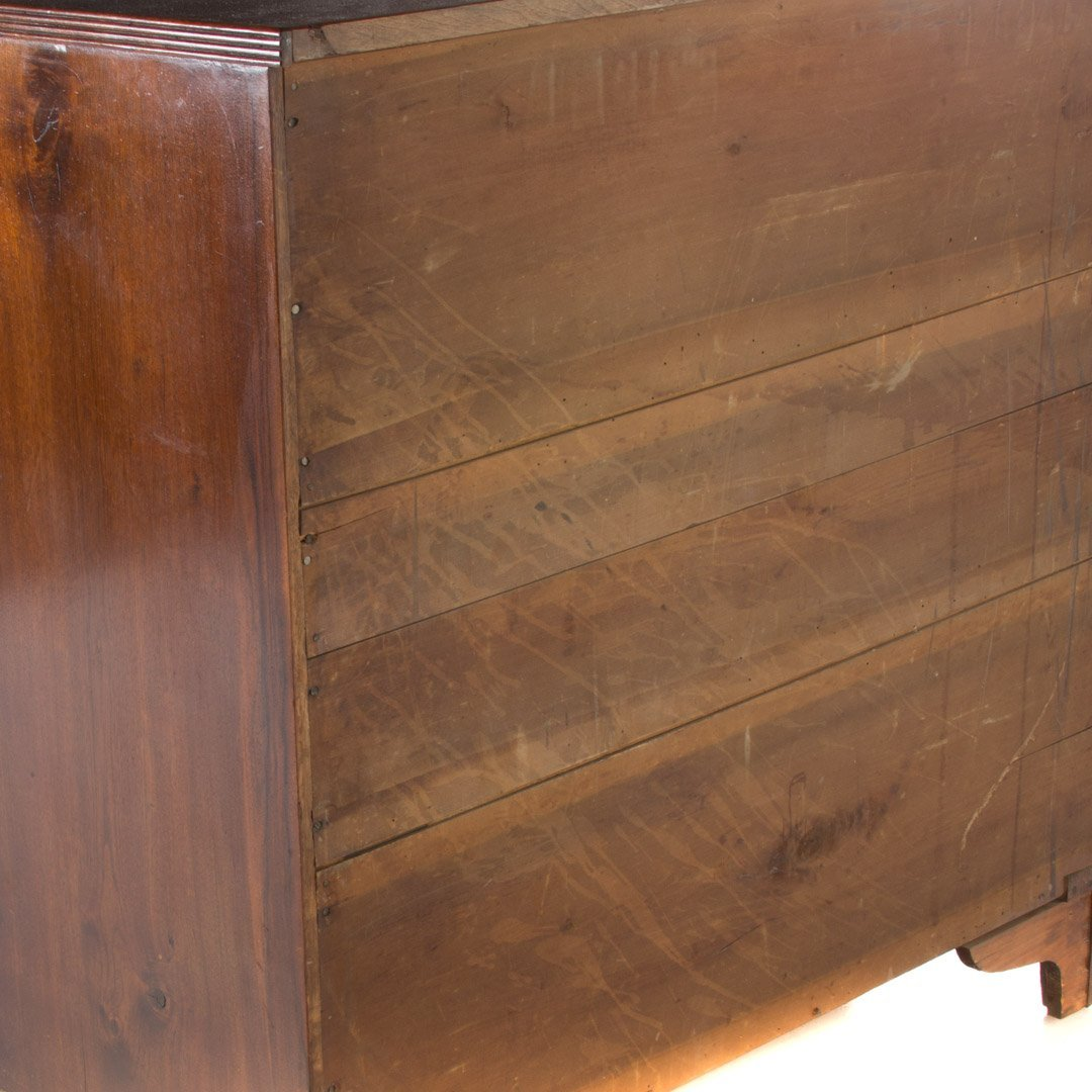 Federal walnut chest of drawers - 4