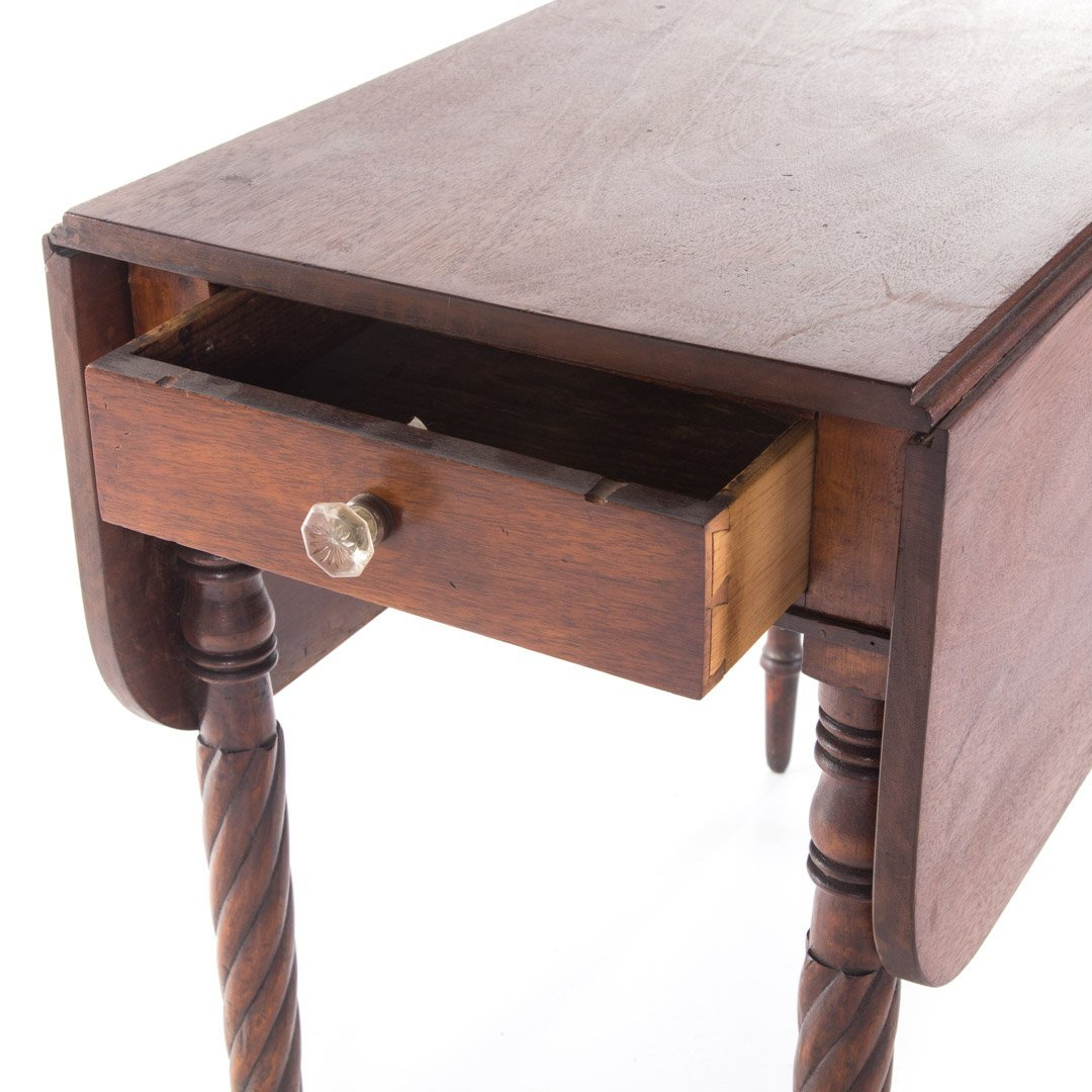 Late Federal mahogany pembroke table - 2