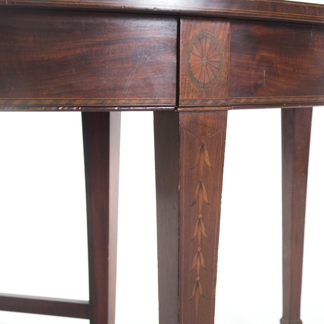 Potthast Bros. Federal style mahogany dining table - 4