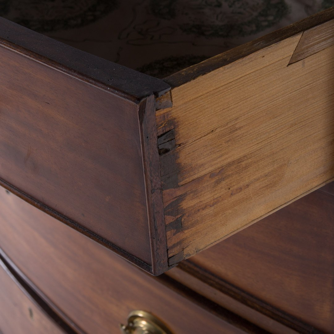 Federal mahogany bow front chest of drawers - 3