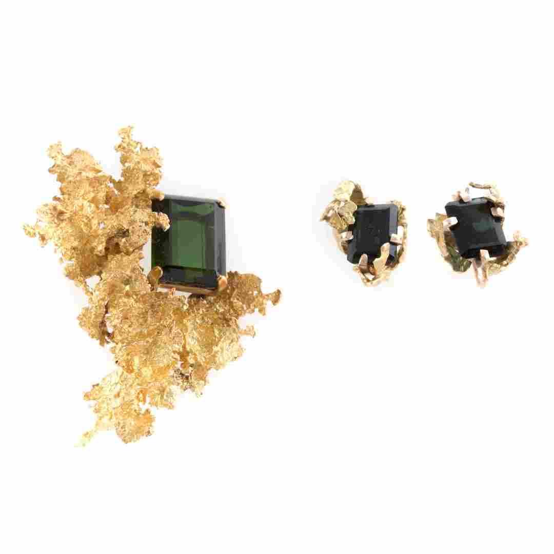 A Lady's Green Tourmaline Brooch & Earrings