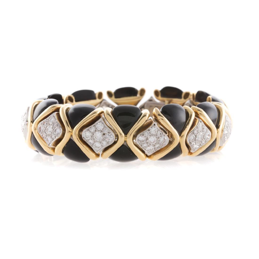 A Lady's Impressive Diamond Bracelet in 18K