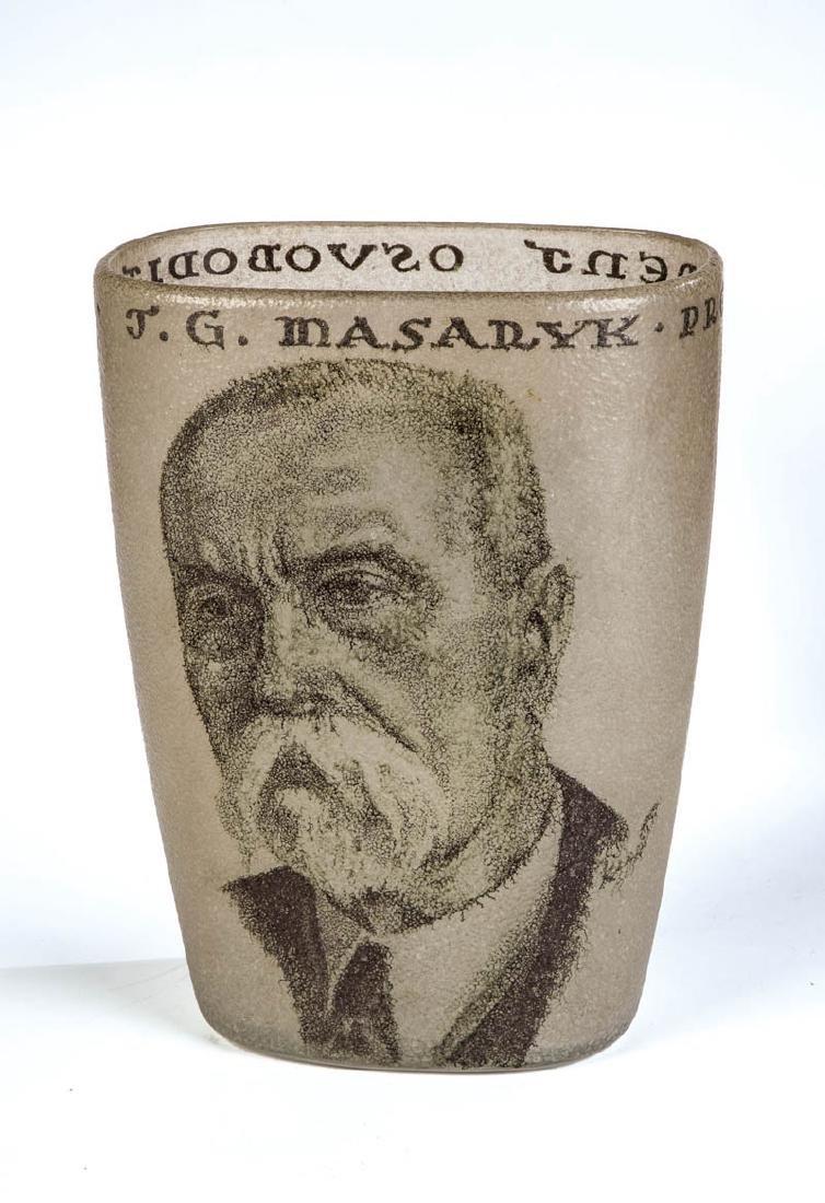 Vase mit Porträt T.G. Masaryk